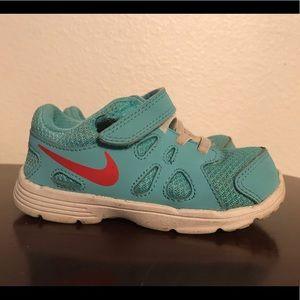 Toddler Girls Nike Revolution 2